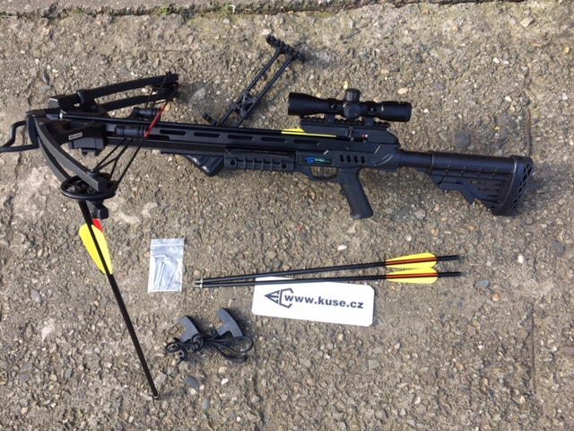 MK XB 52 / CENTER POINT BLACK KLADKOVÁ KUŠE set s orig. OPTIKOU